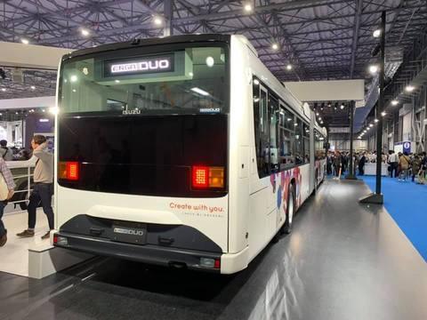 東京モーターショーいすゞ連接バス1.jpg