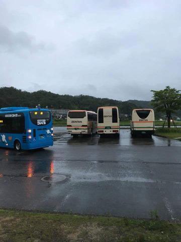 全但バス3窓違いIMG_3437.JPG